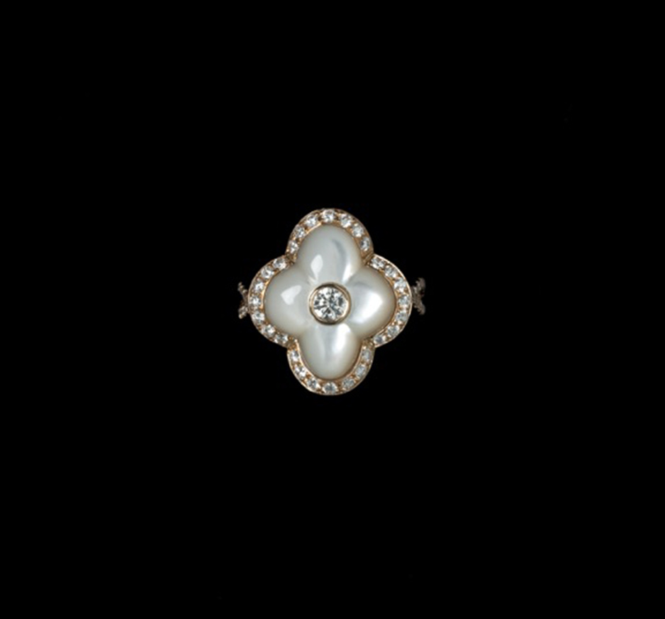 Diamond & Mother of Pearl Ring